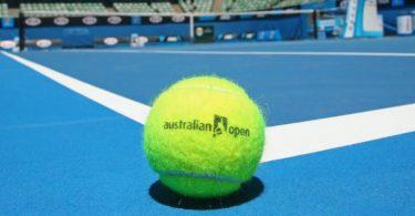 Halep and Wozniacki hit Australian Open final